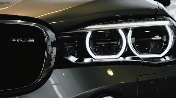 Адаптивные фары BMW X6 M