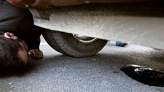 подтек под машиной